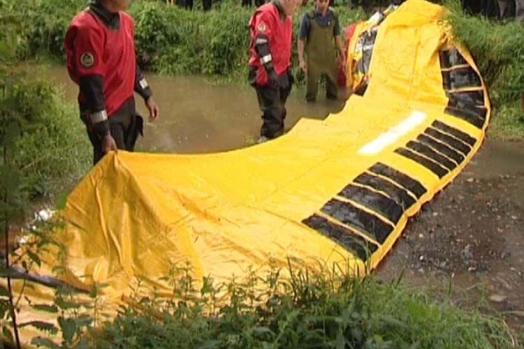 barrière anti inondation gonflable à la rivière